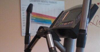 Kreuzband Übungen Reha Ausdauertraining Crosstrainer