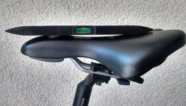 Knieschmerzen beim Radfahren - Sattel