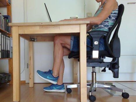 Bein gebeugt anheben Oberschenkelrückseite