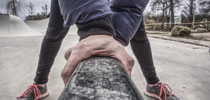 Streckung im Kniegelenk üben: Mental und real